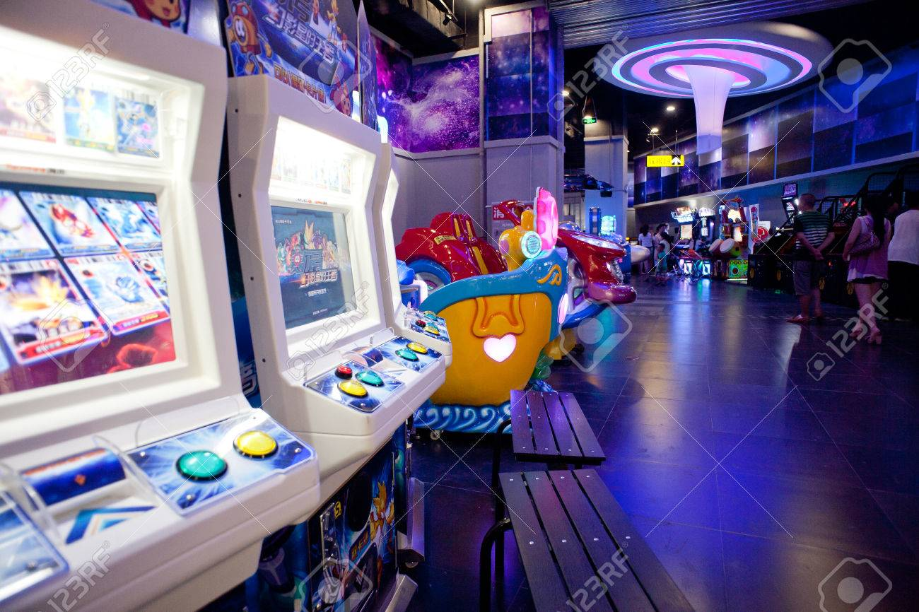 Interior Del Centro De Juegos Electronicos Fotos Retratos Imagenes