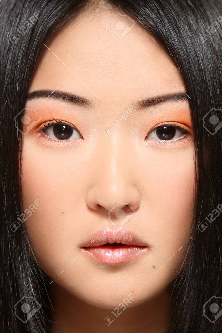 Close-up portrait of beautiful young asian girl Standard-Bild - 5662373
