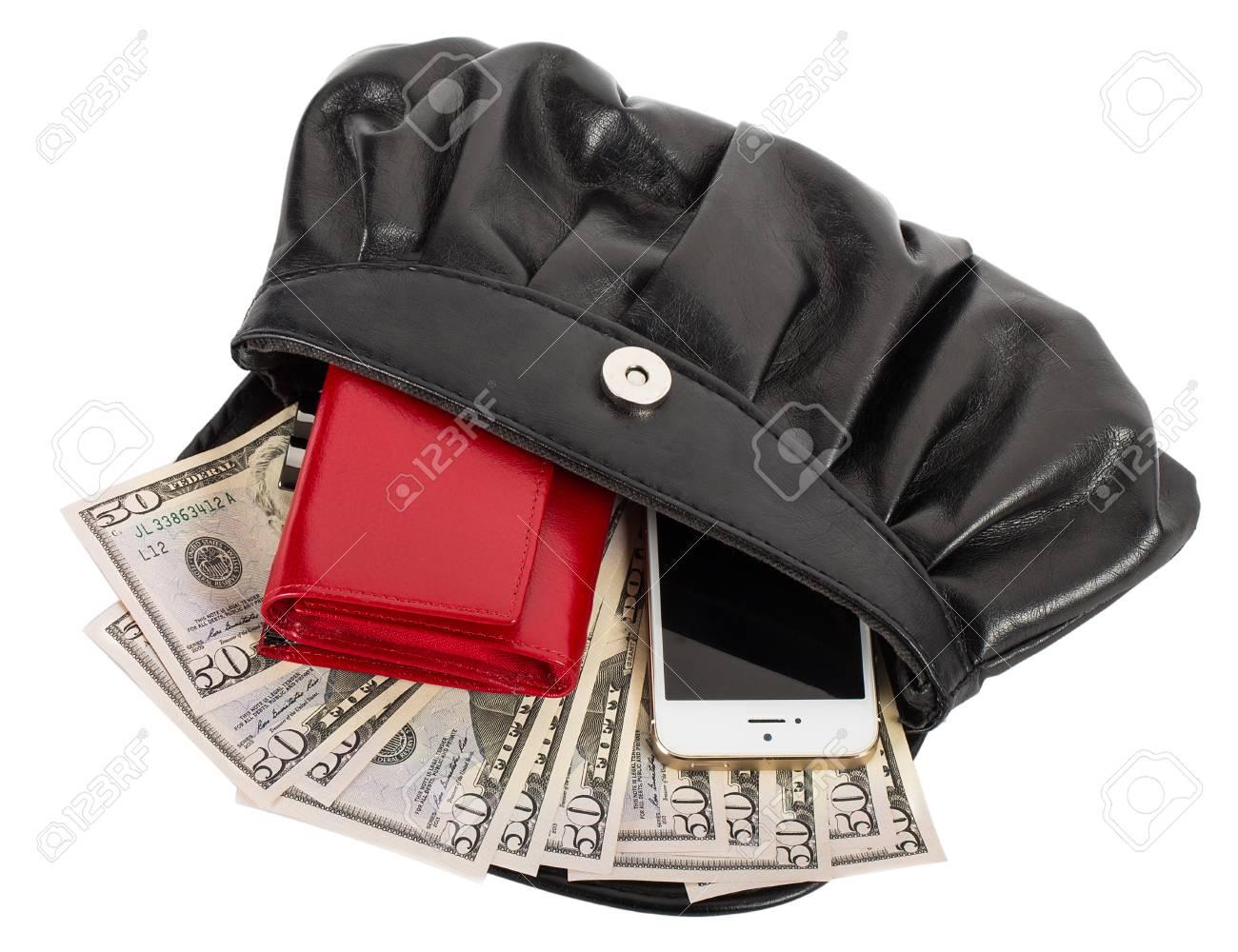 Sac à main avec téléphone portable, portefeuille et argent, isolé sur blanc