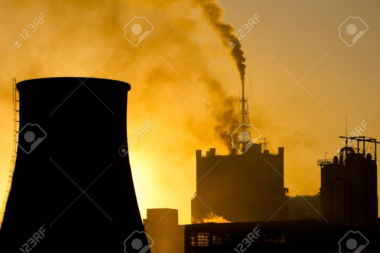 煙とムレシュ県、ルーマニアのス...