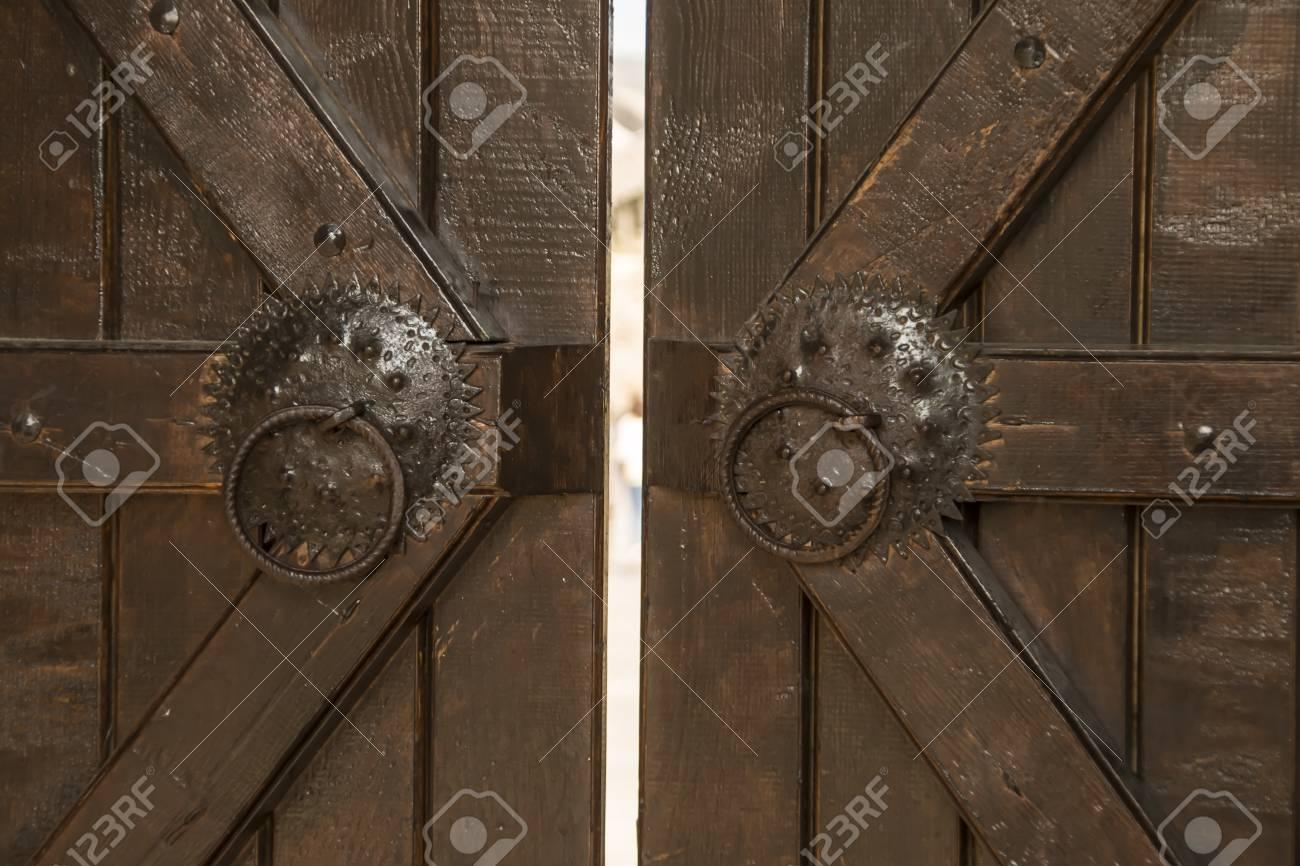 Vieux Portail En Bois vieux chêne portail en bois avec placage de métaux