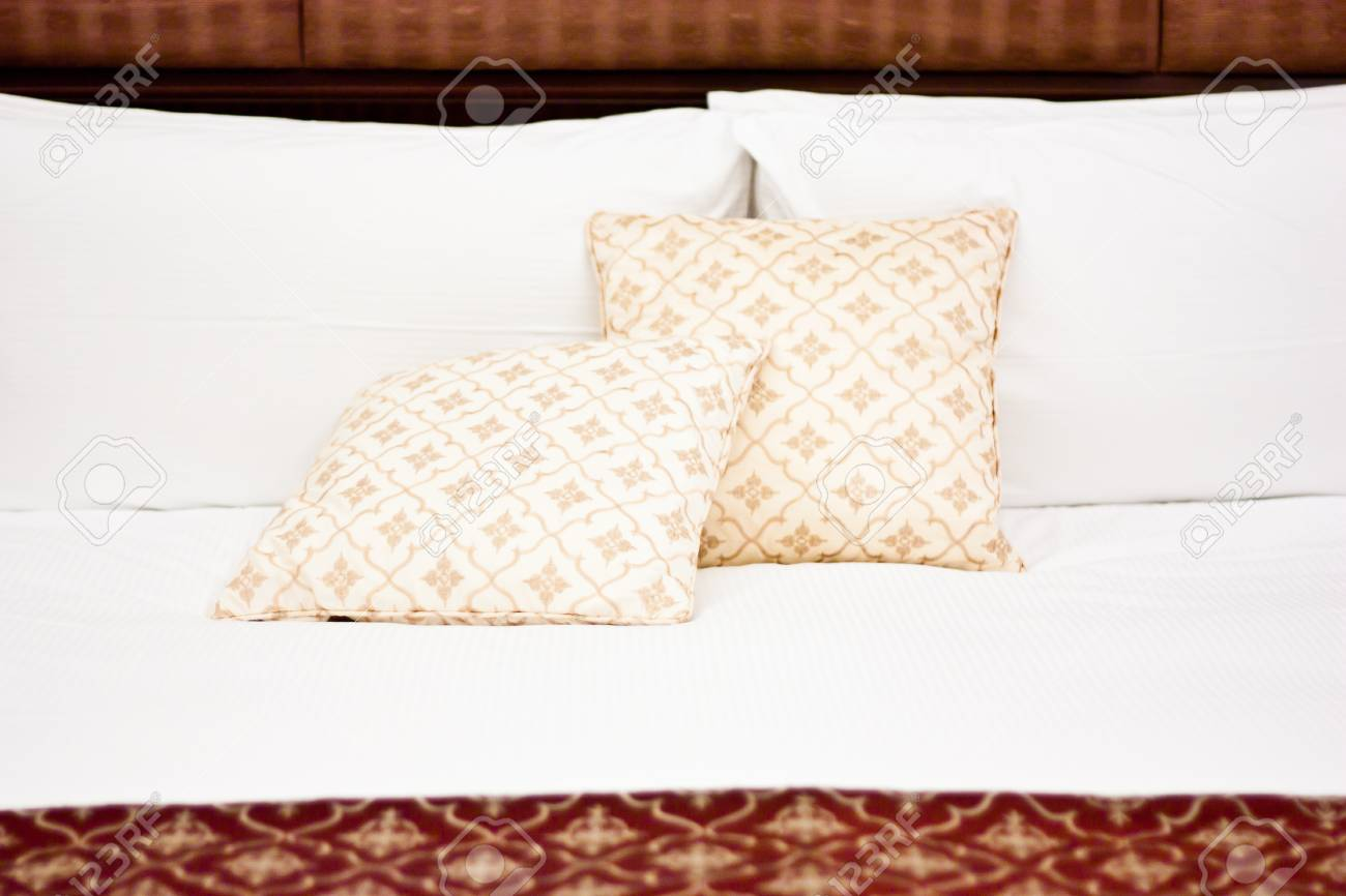 Concept for luxury and Honeymoon, pillows in a luxury hotel Stock Photo - 13535361