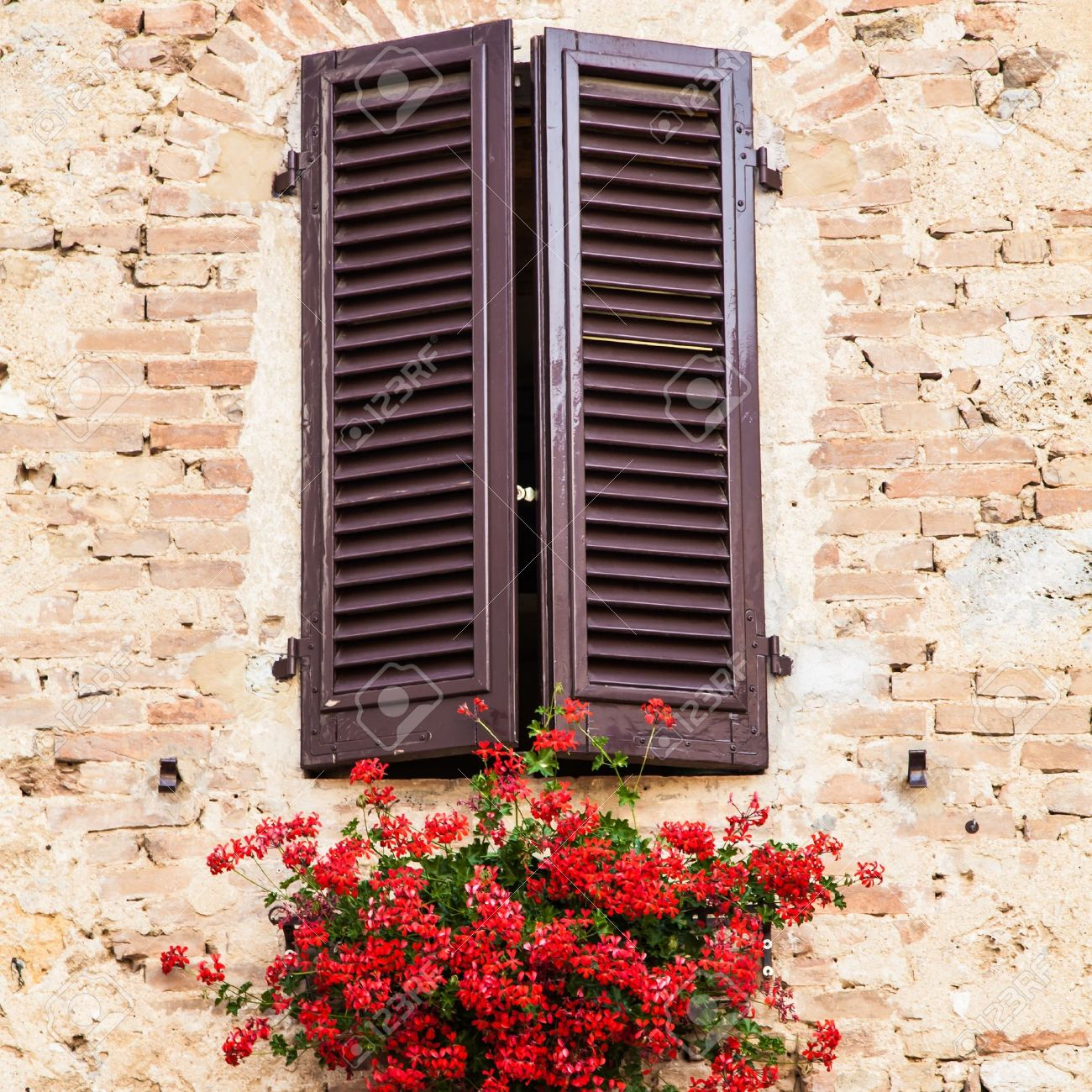 Old Windows Old Windows Stock Photos Pictures Royalty Free Old Windows