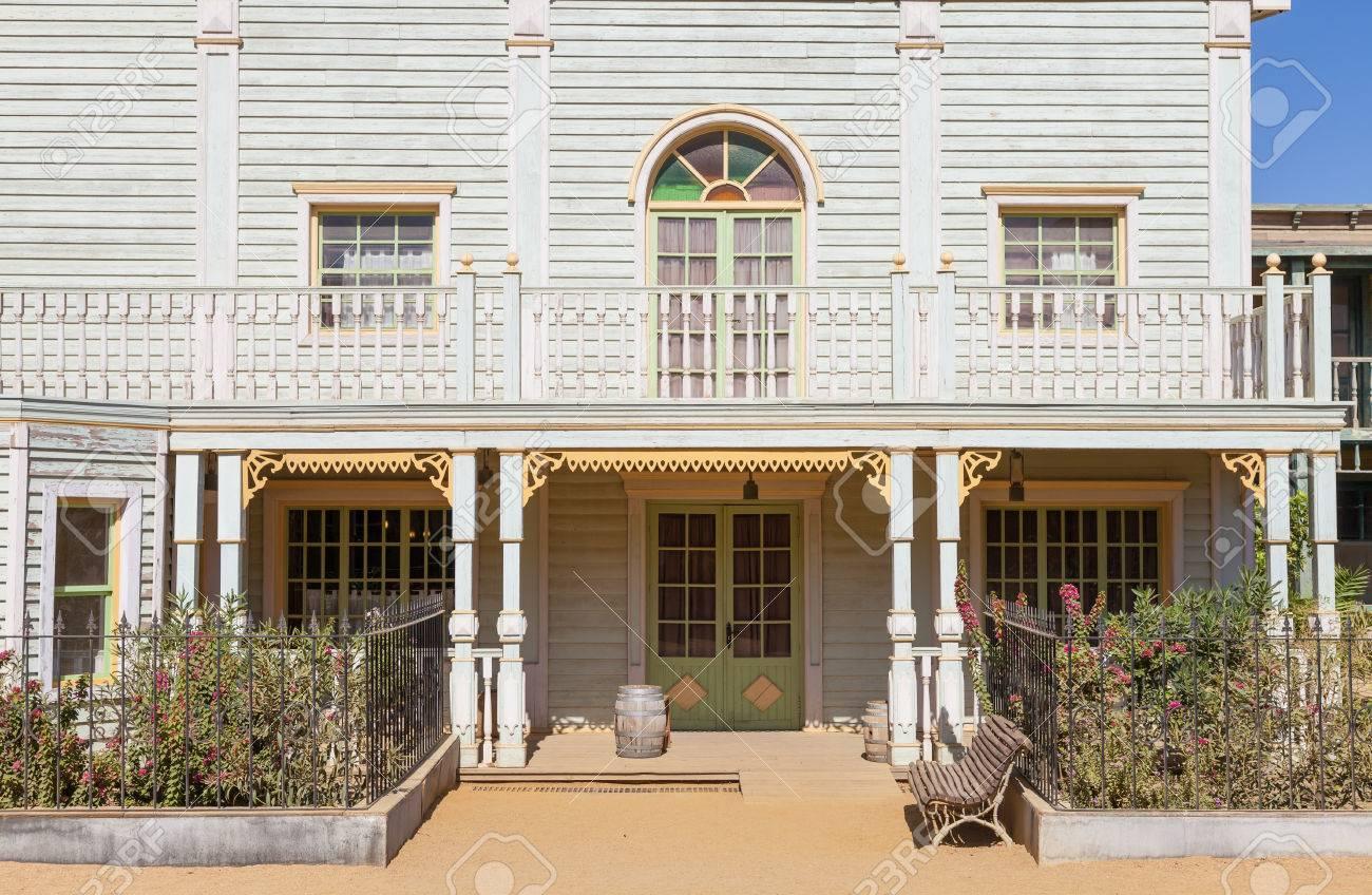 Entrée D\'une Maison De Campagne De Style Far West Banque D\'Images Et ...
