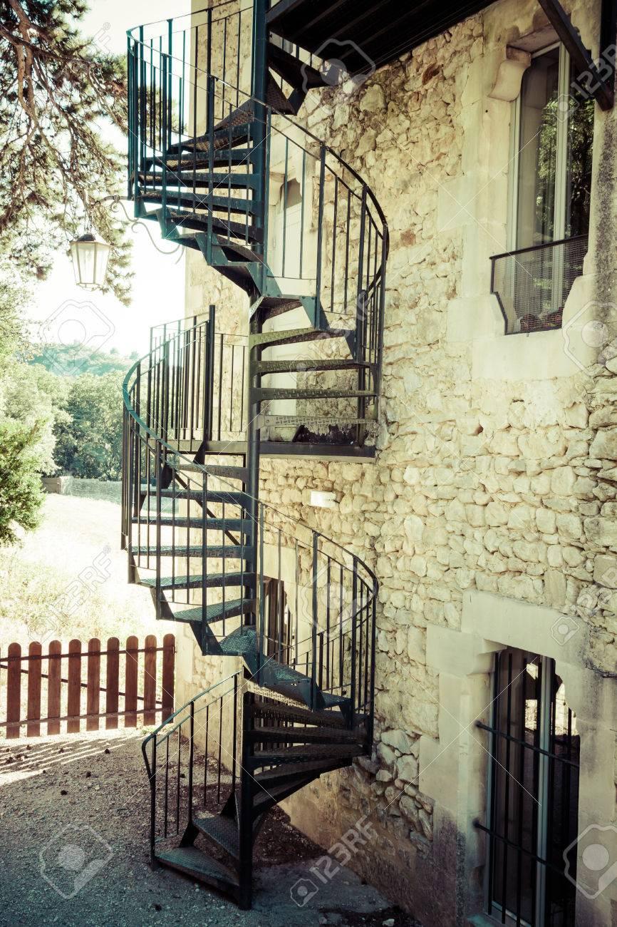 Escaleras De Caracol Exterior Finest Escalera De Caracol En Metal  ~ Precios De Escaleras De Caracol