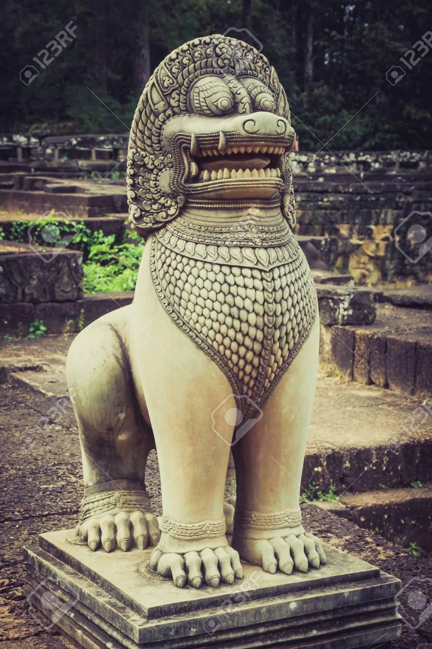León Estatua En La Terraza De Los Elefantes Angkor Thom Siemreap