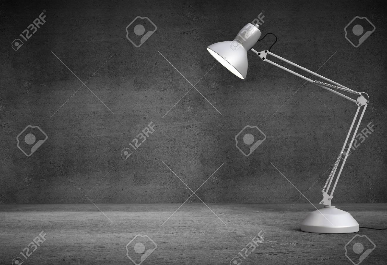 Lampe de bureau blanc vintage à lintérieur du béton banque dimages
