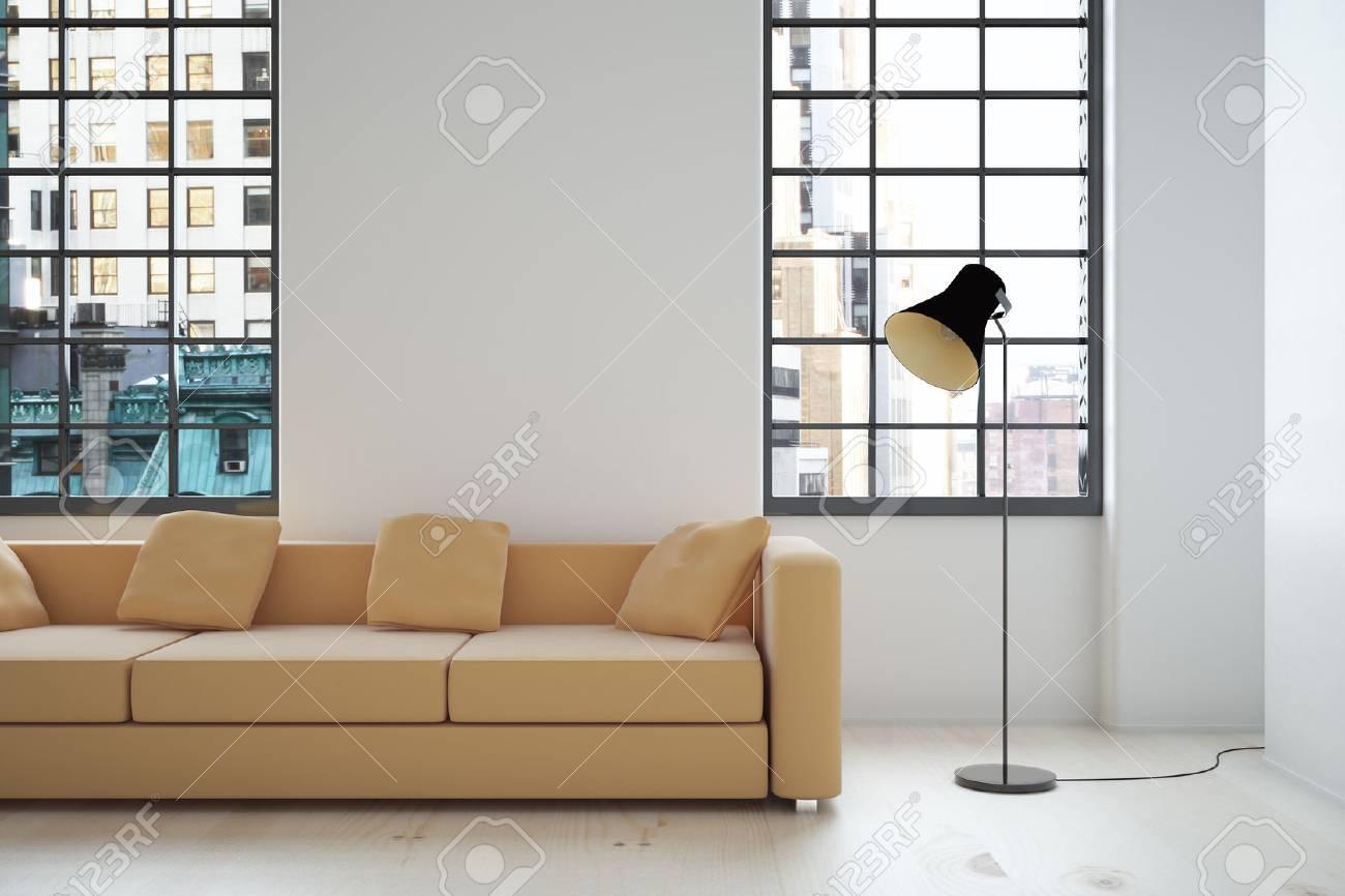 Interior Design Mit Beige Sofa, Leere Wand, Lampe Und Fenster Mit Blick Auf  Die