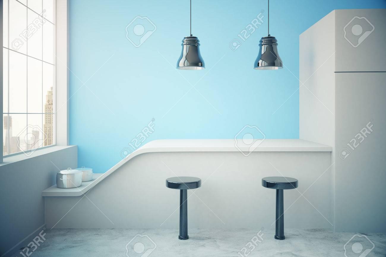 Blaue Küche Inter Mit Kühlschrank, Arbeitsplatte, Zwei Stühle ...