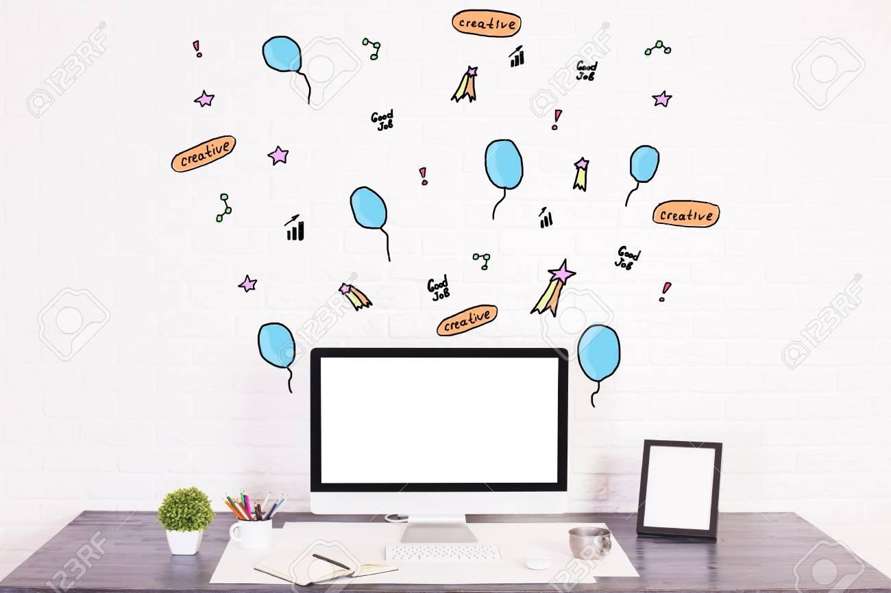 Arbeitsplatz Mit Kreativ Gezeichnet Ballons Und Andere Gegenstände ...
