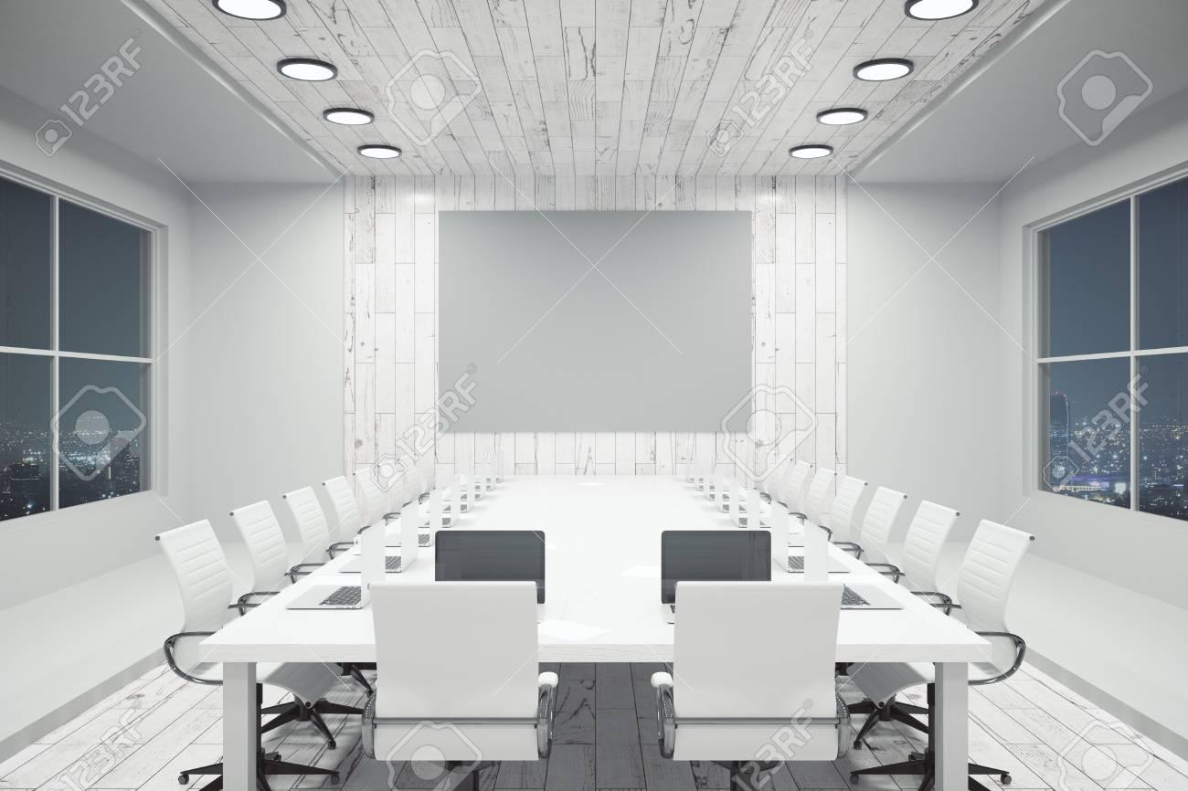 Pareti In Legno Bianco : Immagini stock interno bianco di conferenza con parete in legno