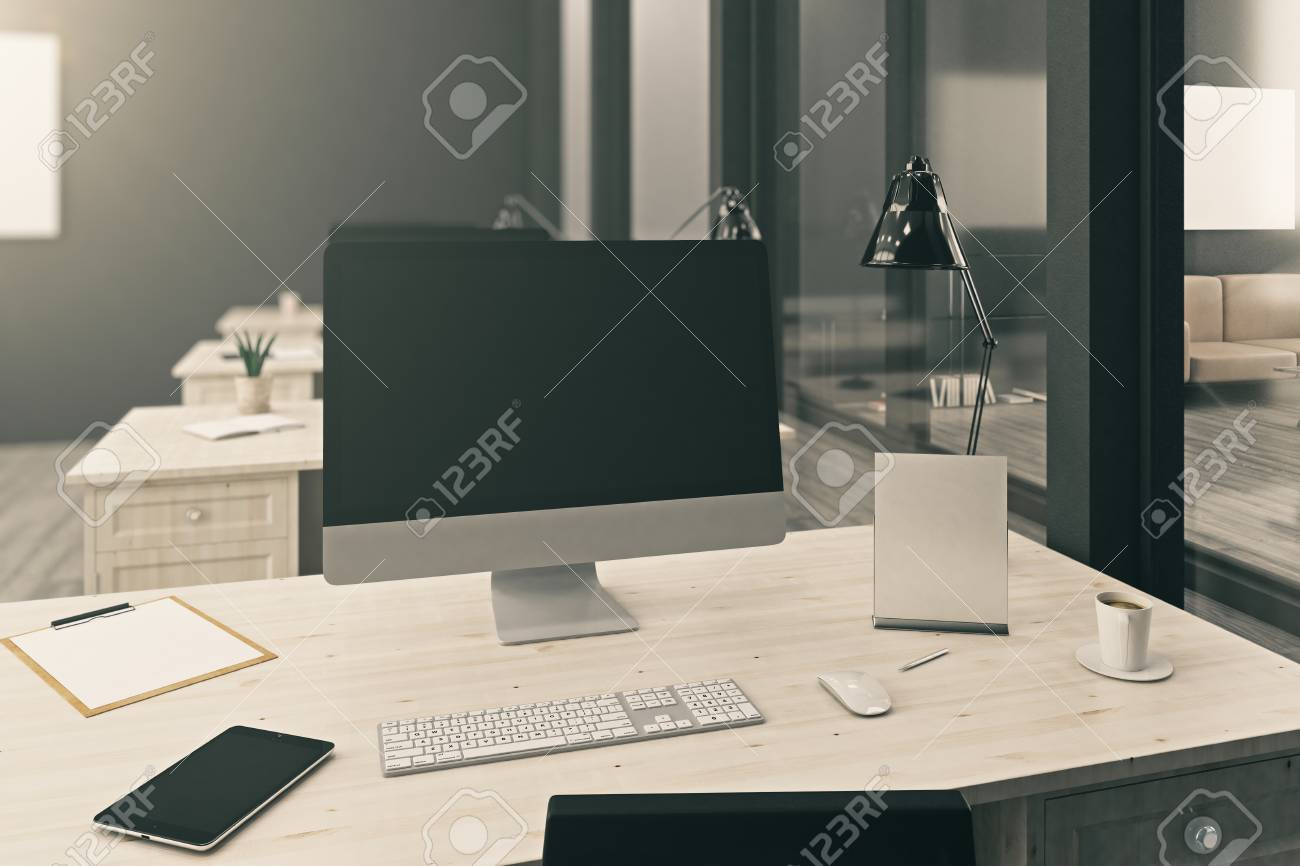 Immagini Stock Close Up Del Desktop Di Ufficio Con Monitor Di