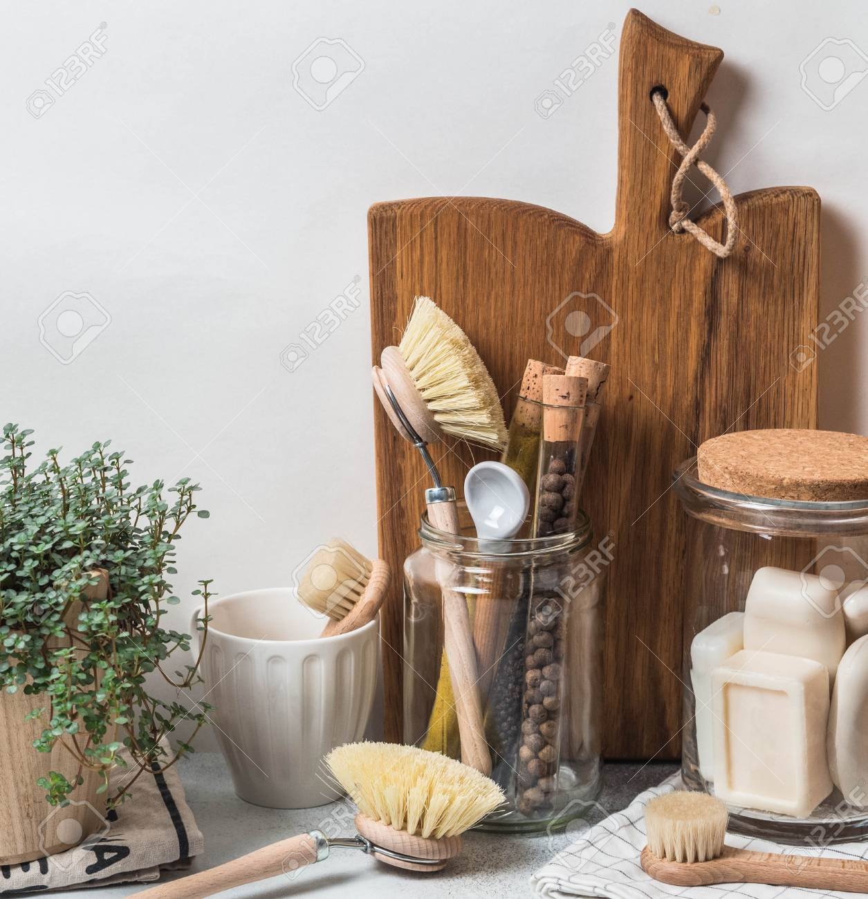 Zero Waste Concept Eco Friendly Kitchen Set Brushes Soap In