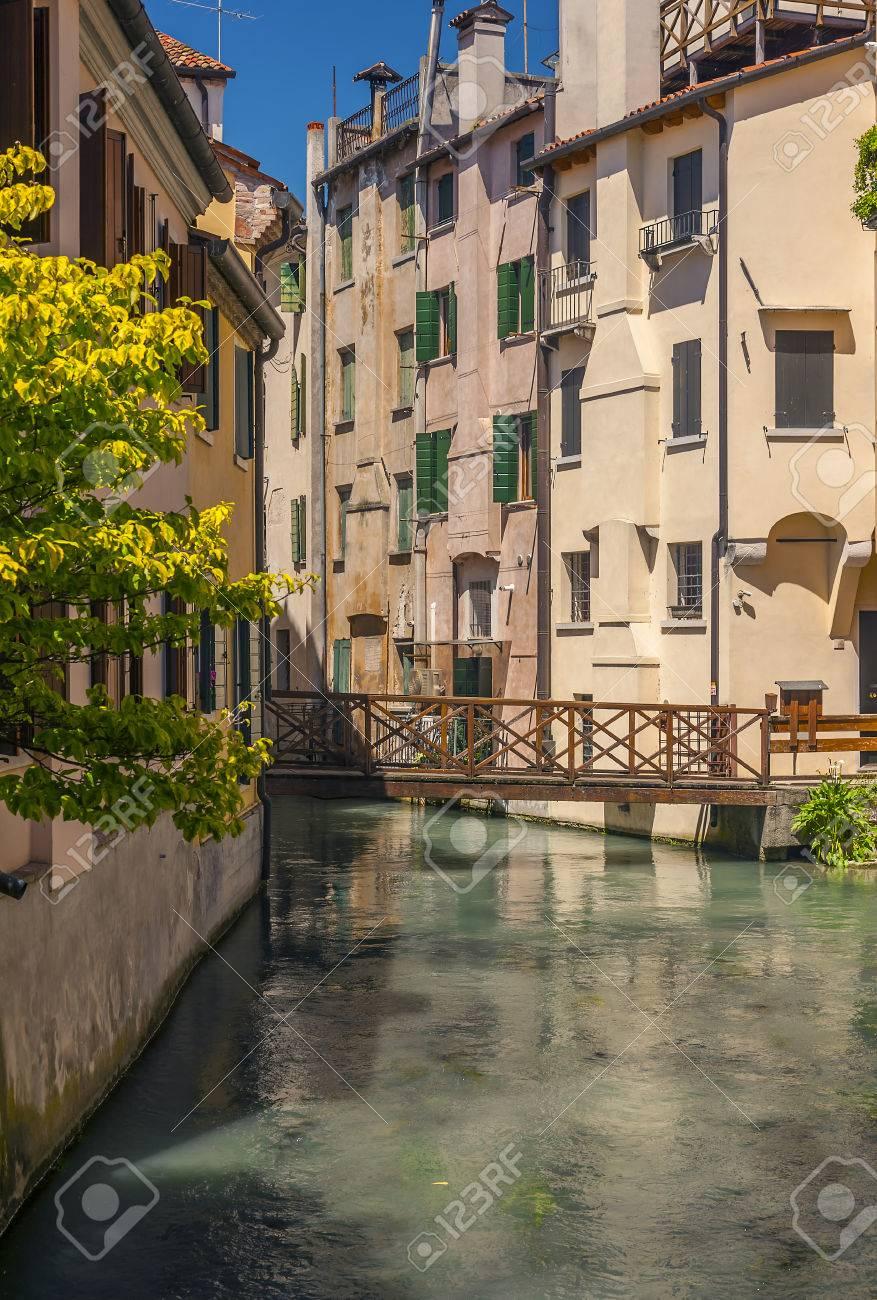 ヴェネト州、イタリアのトレヴィ...