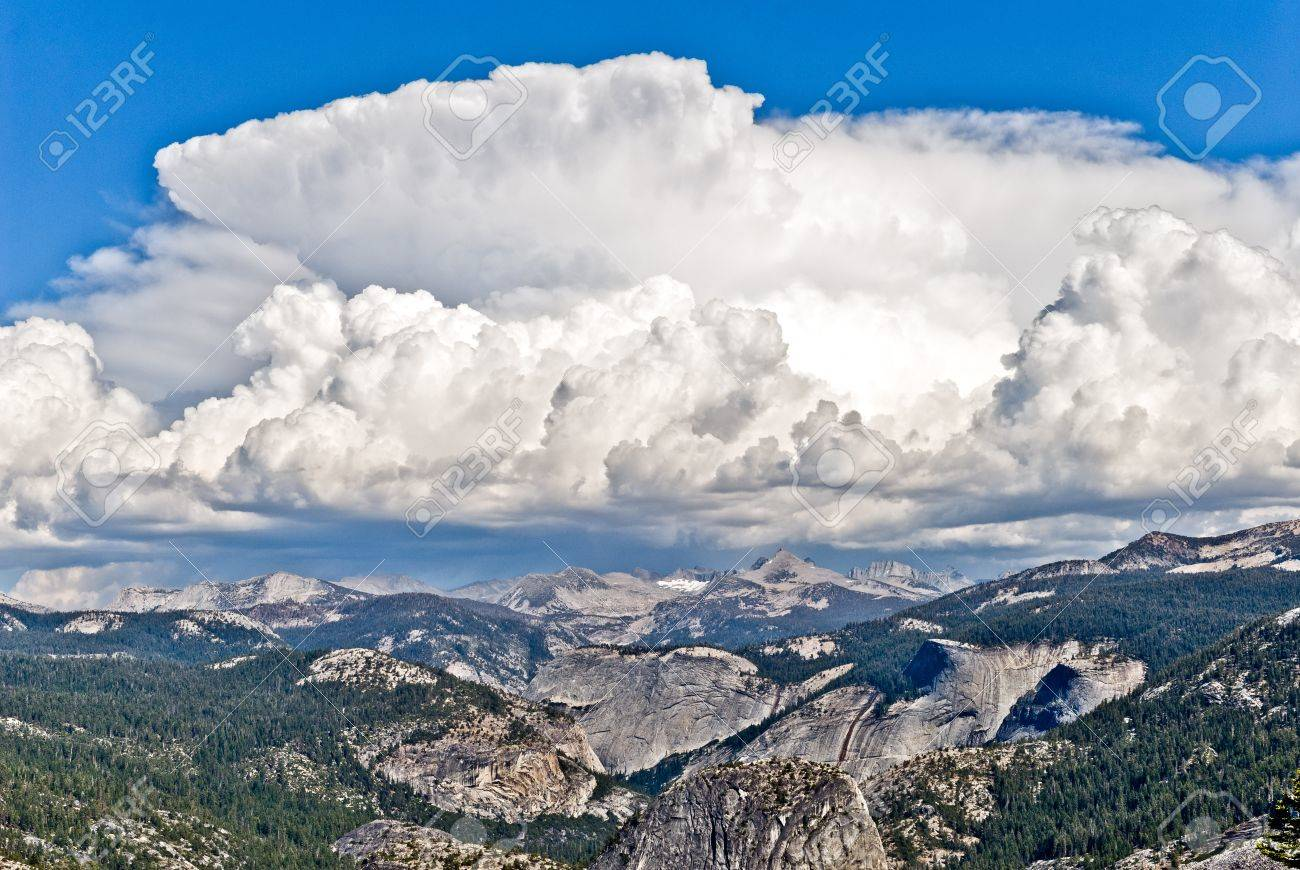 Thunderstorms form quickly during the summer in the high sierra, Yosemite National Park, California Stock Photo - 17384350