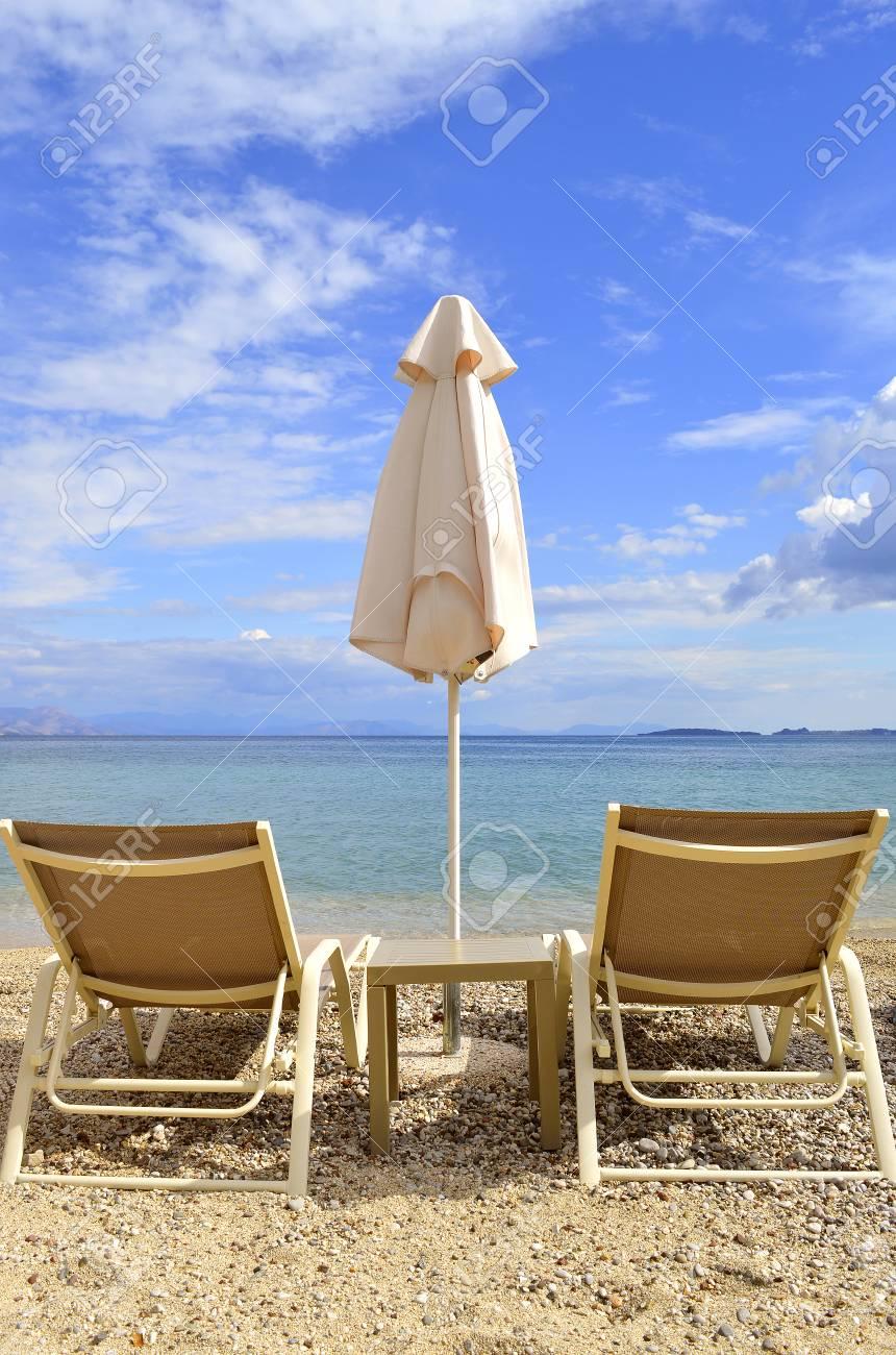 Sedie A Sdraio Per Spiaggia.Sedie A Sdraio Sulla Spiaggia Di Ipsos A Corfu