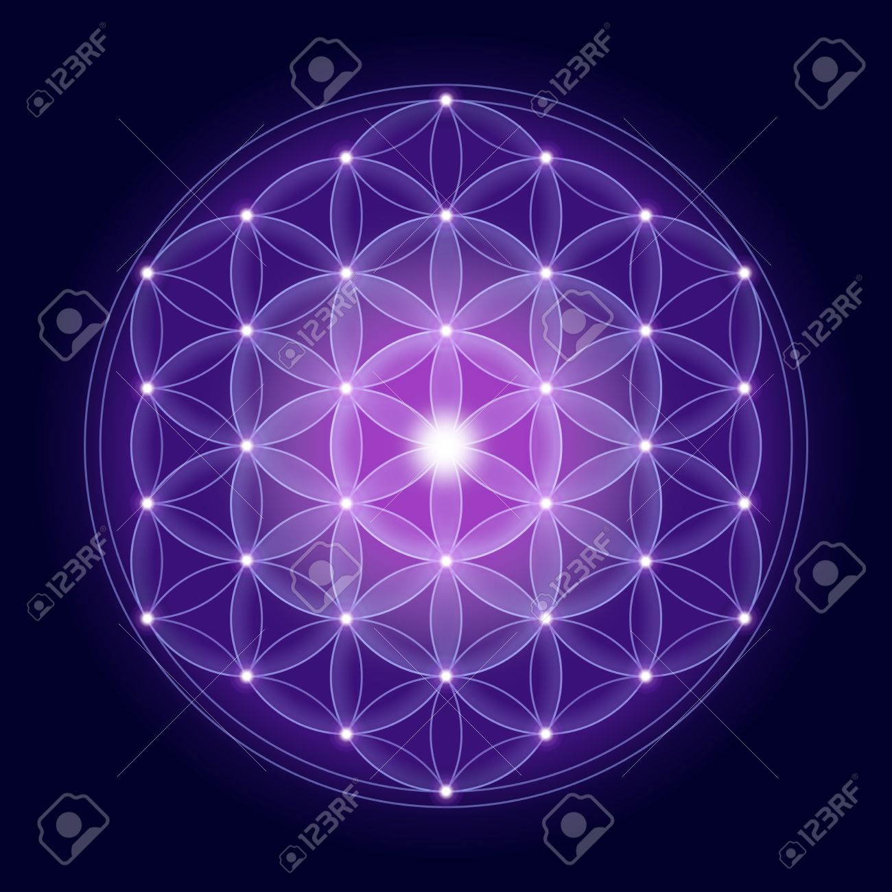 Bright Flower of Life with stars on dark blue background, a spiritual symbol and Sacred Geometry since ancient times. Banque d'images - 38616351