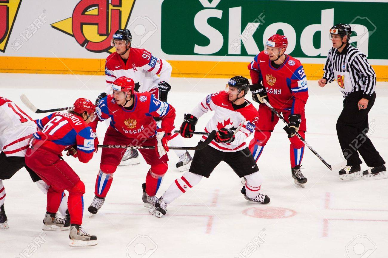 Russia to face Canada in ice hockey world semifinals