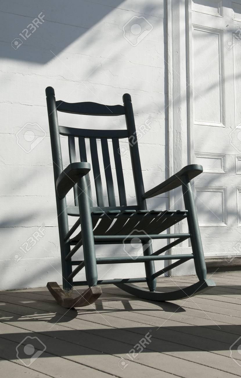 Sedia A Dondolo Americana.Immagini Stock Vecchia Sedia A Dondolo Di Legno Americano Usa Image 24934141