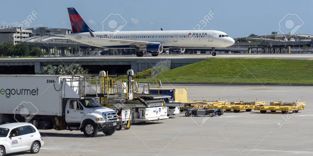 Delta Airbus A321 aircraft on taxiway, an elevated section at