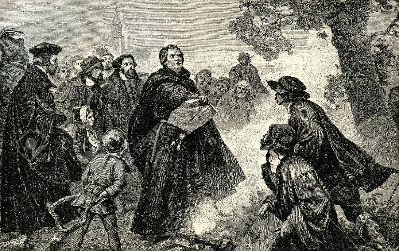 Resultado de imagem para lutero quema la bula papal