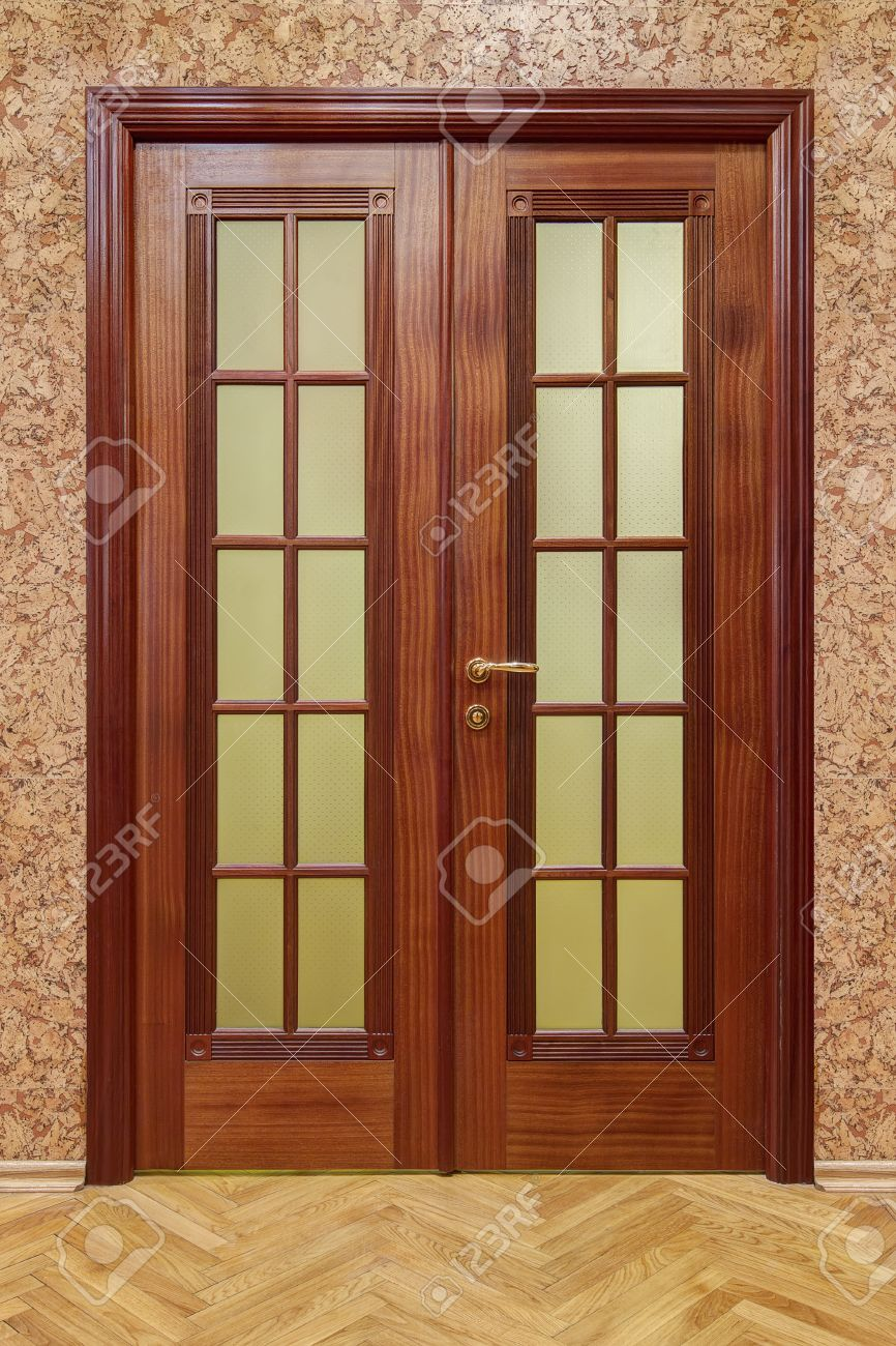 double wooden doors with cork wallpaper and flooring Stock Photo - 36559964 & Double Wooden Doors With Cork Wallpaper And Flooring Stock Photo ...