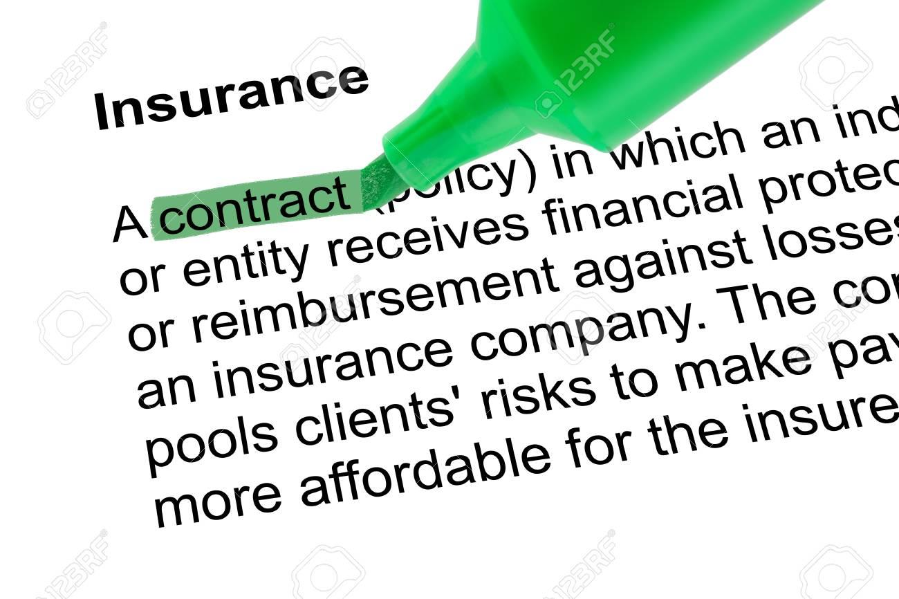 Hervorgehobene Wort Vertrag Fur Versicherungen Mit Grunem Stift Auf