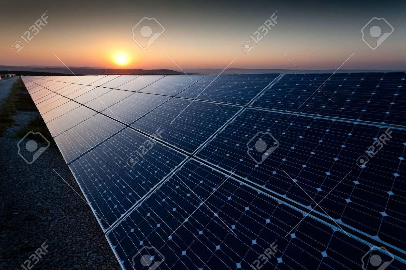 Power plant using renewable solar energy with sun - 50329584