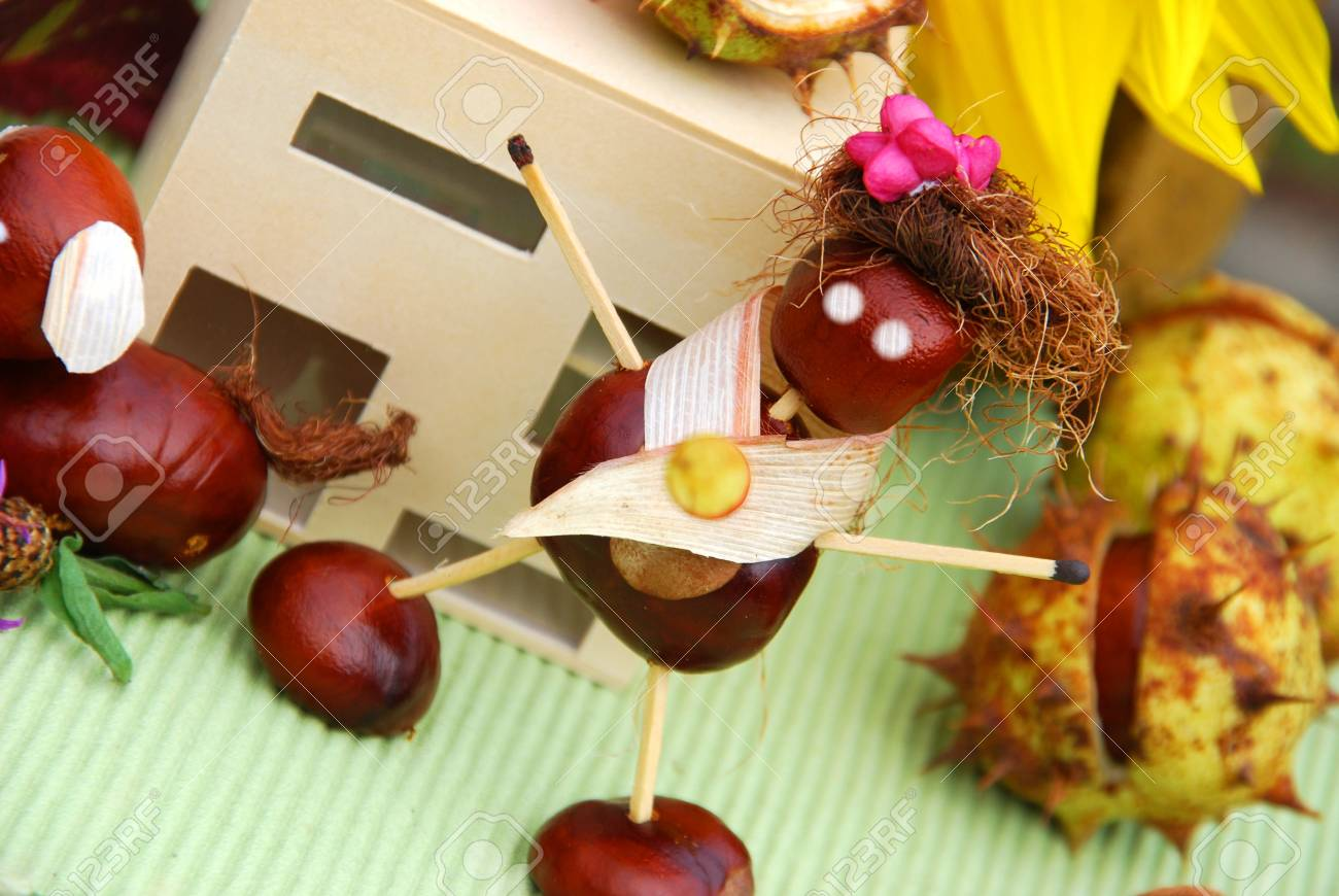 Crafts with natural material Stock Photo - 15599198