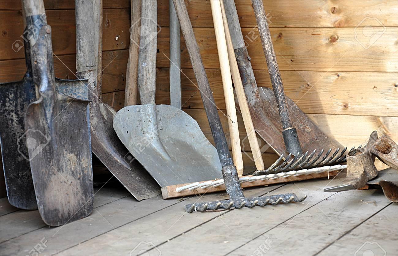 garden tools - 63408115