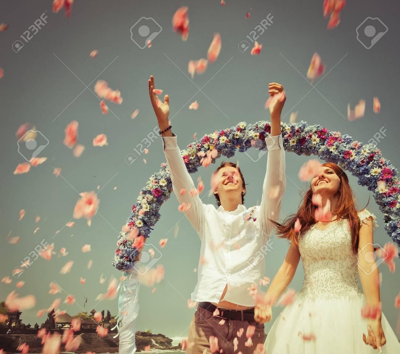Old photo of wedding couple - 38316918