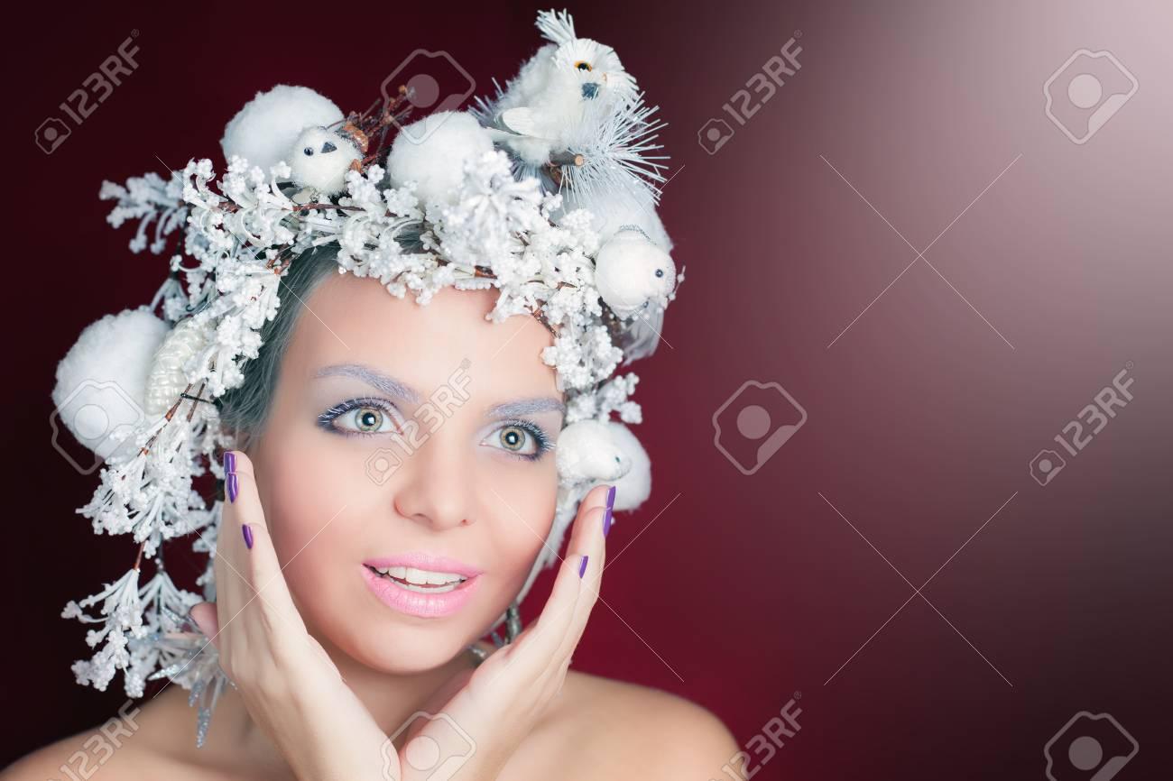 Winter Queen Mit Weissen Magischen Frisur Weihnachten Make Up