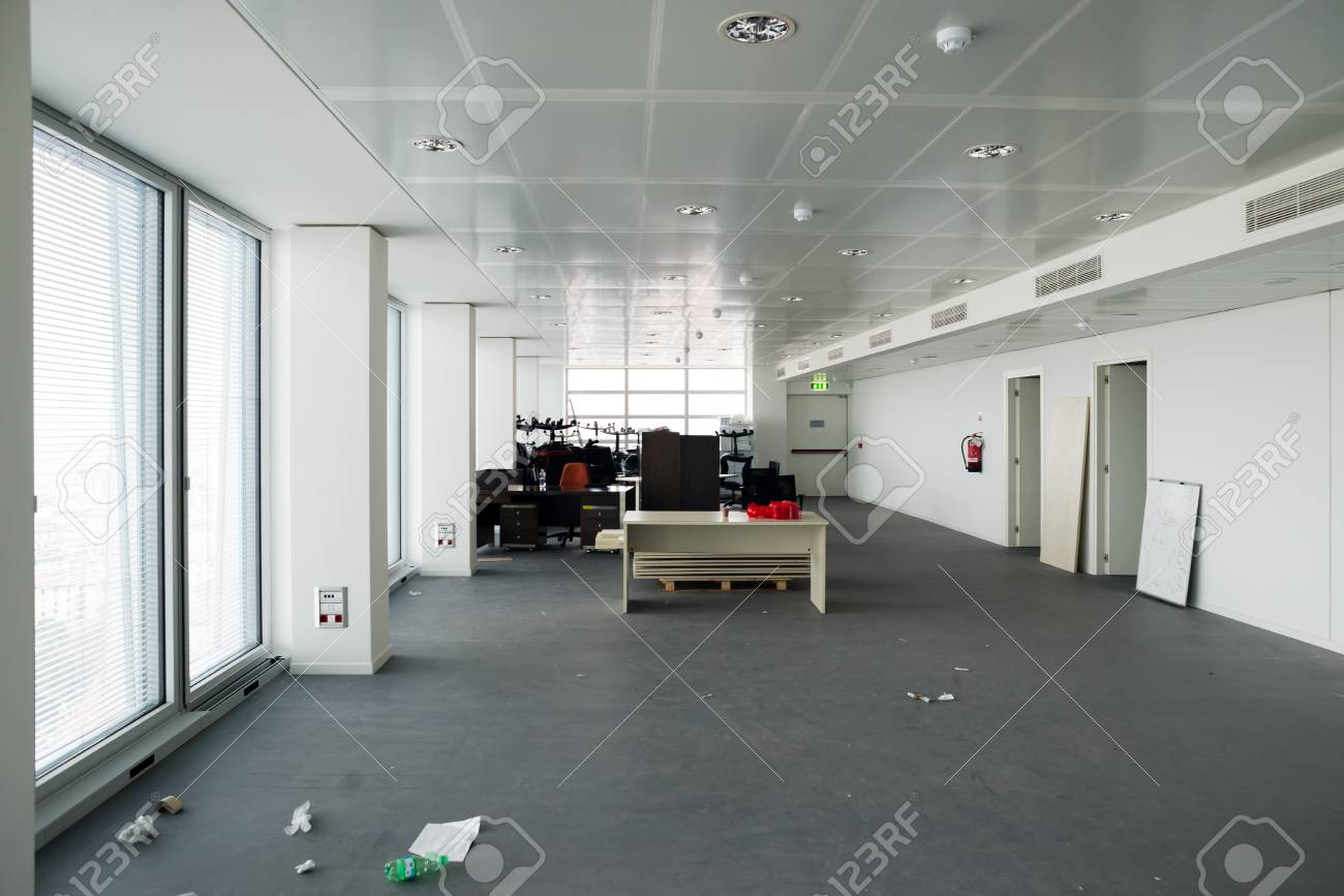 MILAN, ITALY - SEPTEMBER 27: Garibaldi Towers interior on September 8, 2013. Garibaldi Towers are two important modern skyscrapers, 100 meter high, energy self-sufficient thanks to solar panels and insulating materials Stock Photo - 22460666