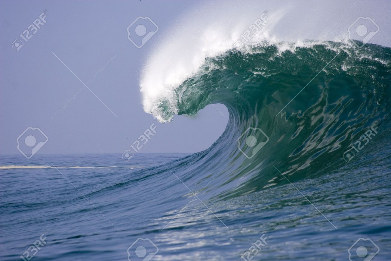 wave breaking at iquique on the north coast of Chile Stock Photo - 10656227
