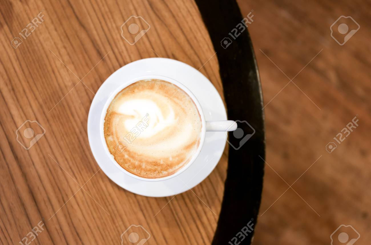 Beautiful coffee art in a white cup from top view Stock Photo - 19281746