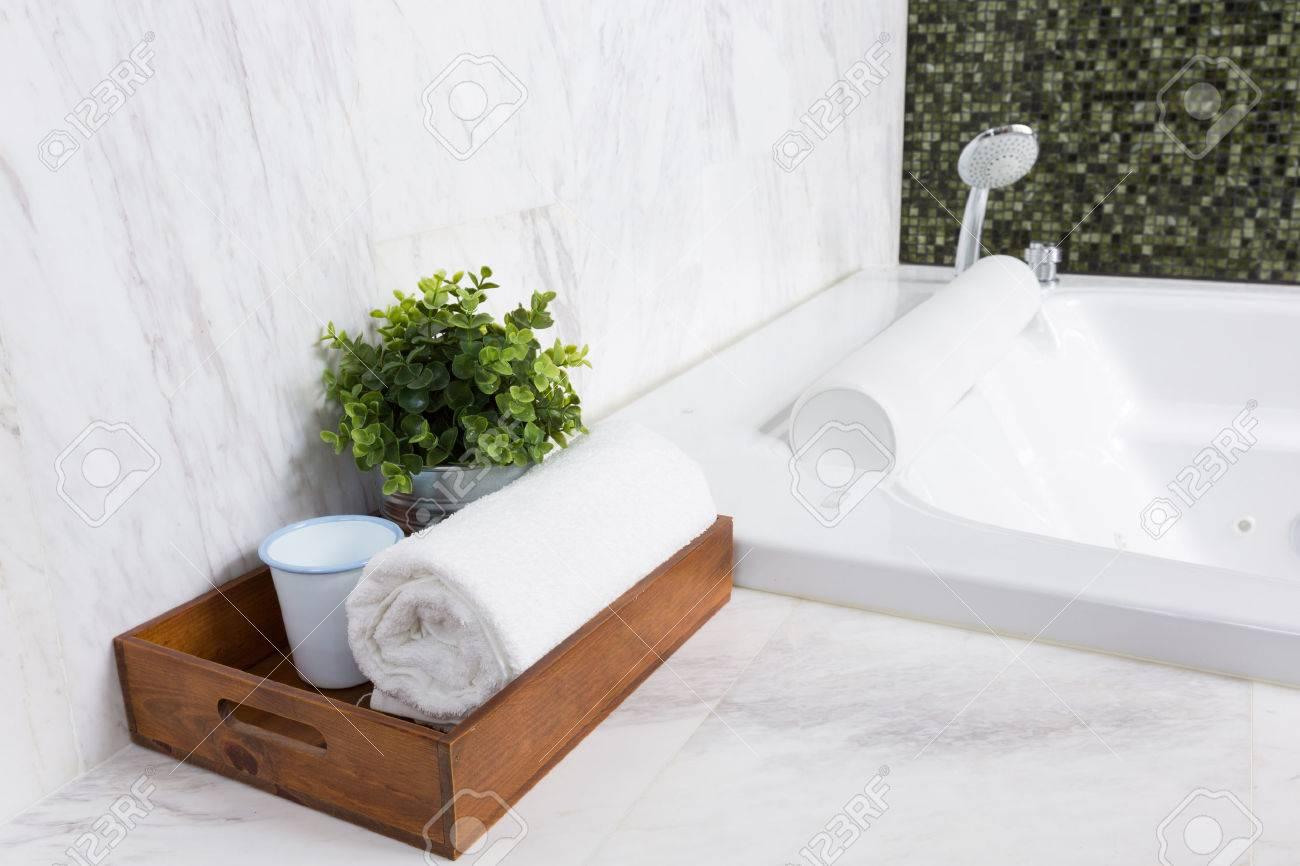 Vasca Da Bagno Esterna Misure : Vasche da bagno economiche prezzi vasche da bagno misure e prezzi