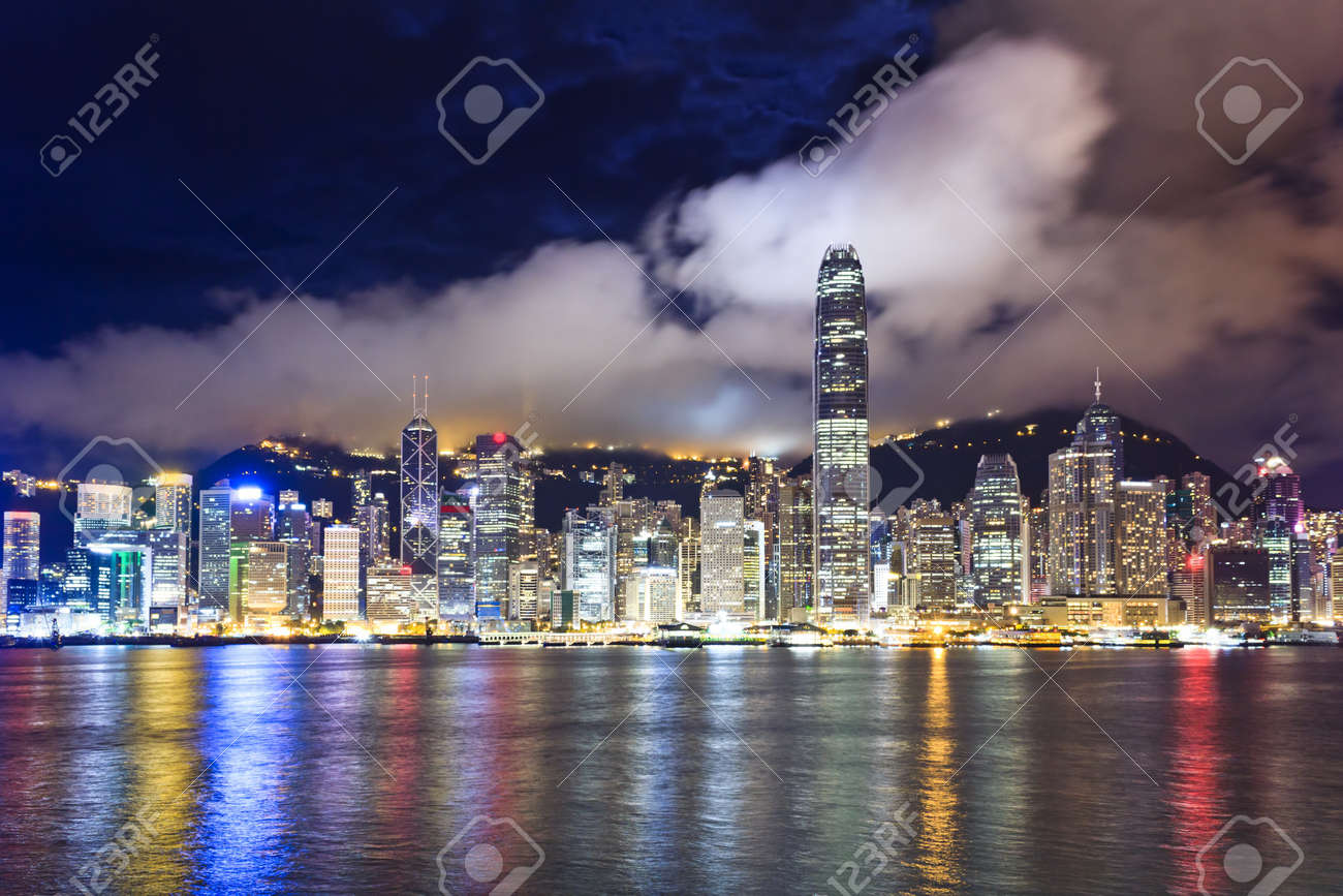 Night scenes of Hong Kong at victoria harbour Stock Photo - 13666337