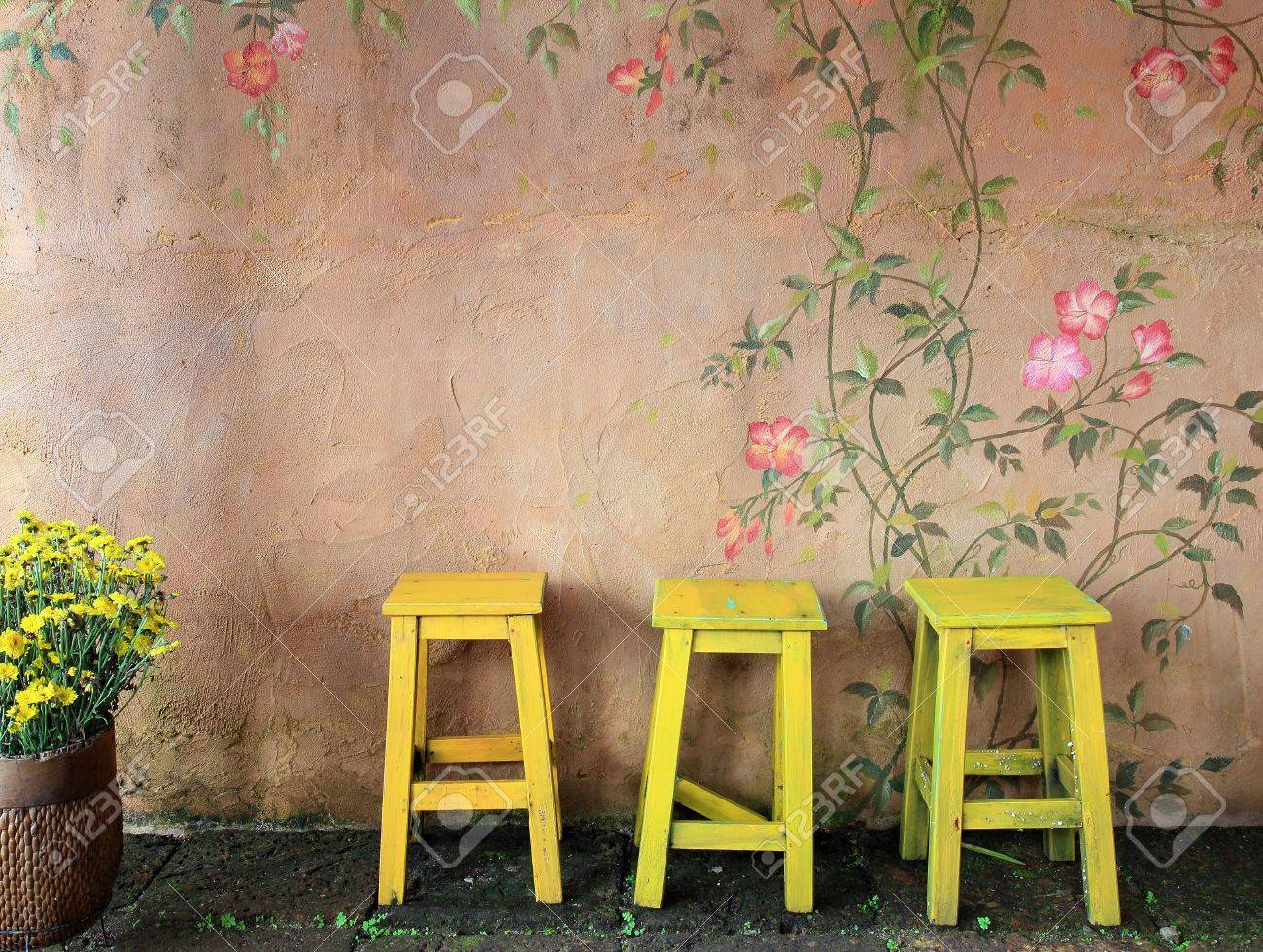 old vintage wooden chair and wall - 15493388