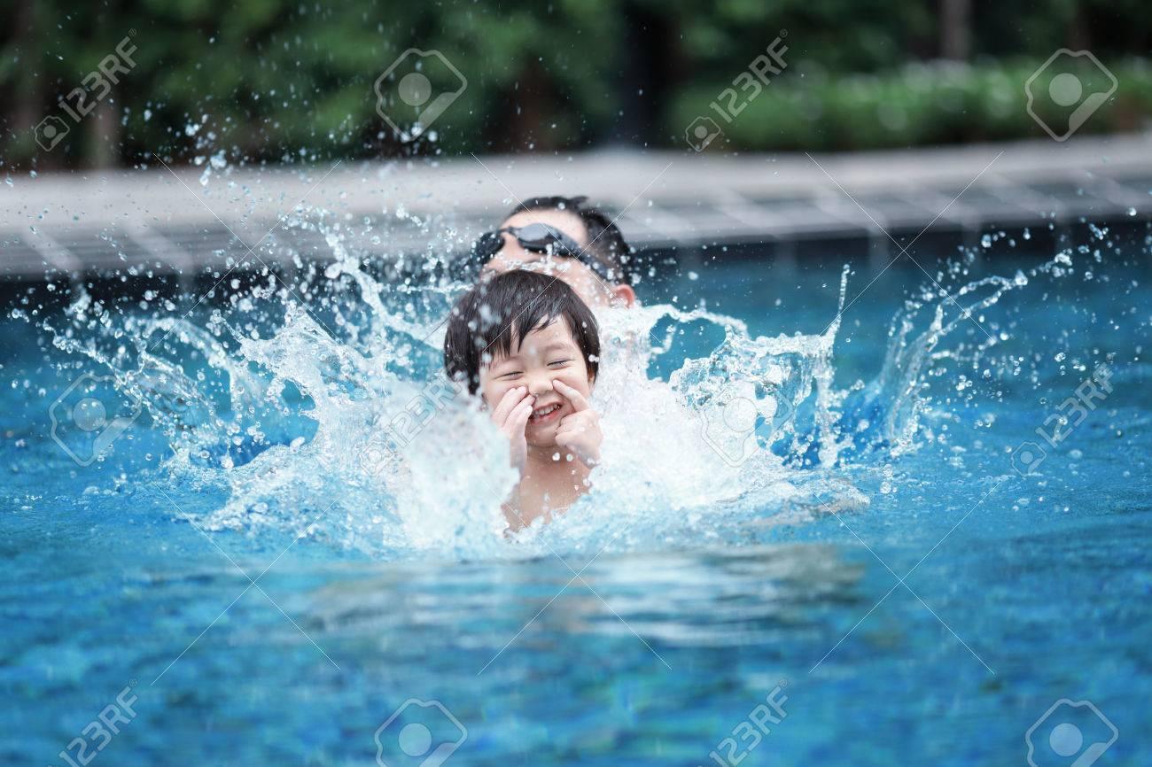 children swimming pool - 27785207
