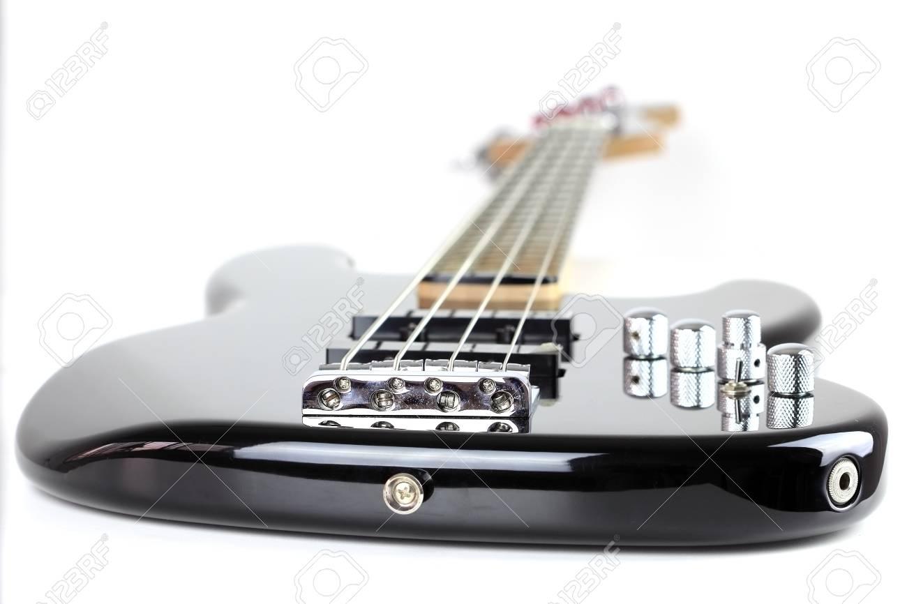 E-Bass Isoliert Auf Weißem Hintergrund Lizenzfreie Fotos, Bilder Und ...
