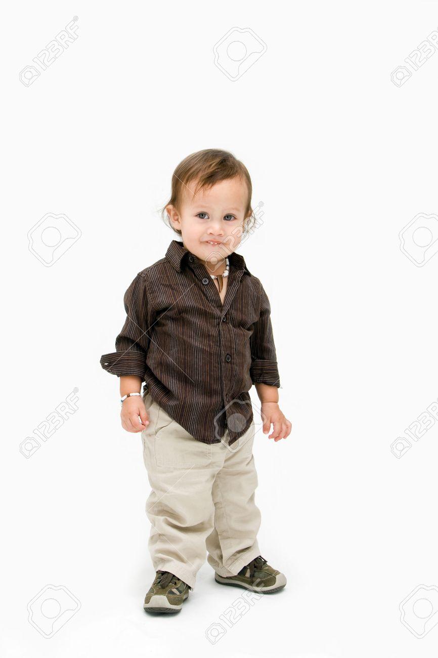 Niño Vestido PieAislados Chico En Marrón Un Lindo iOTuwPkXZ