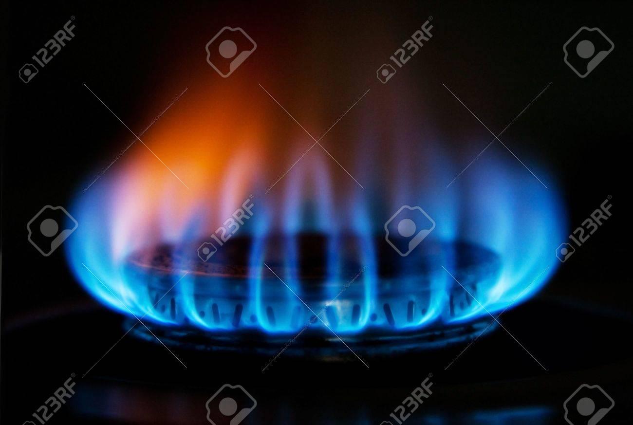 Burning Hot Blau Gelb Feuer Flammen Aus Einem Herd Fur Das Kochen In