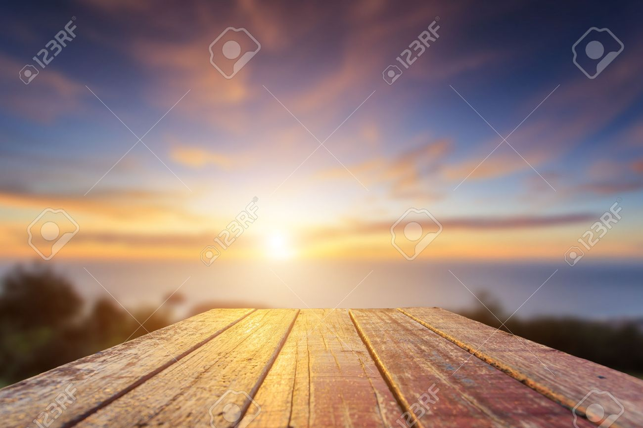 Close up top of old wooden table with blur sunset  background Banque d'images - 46065298