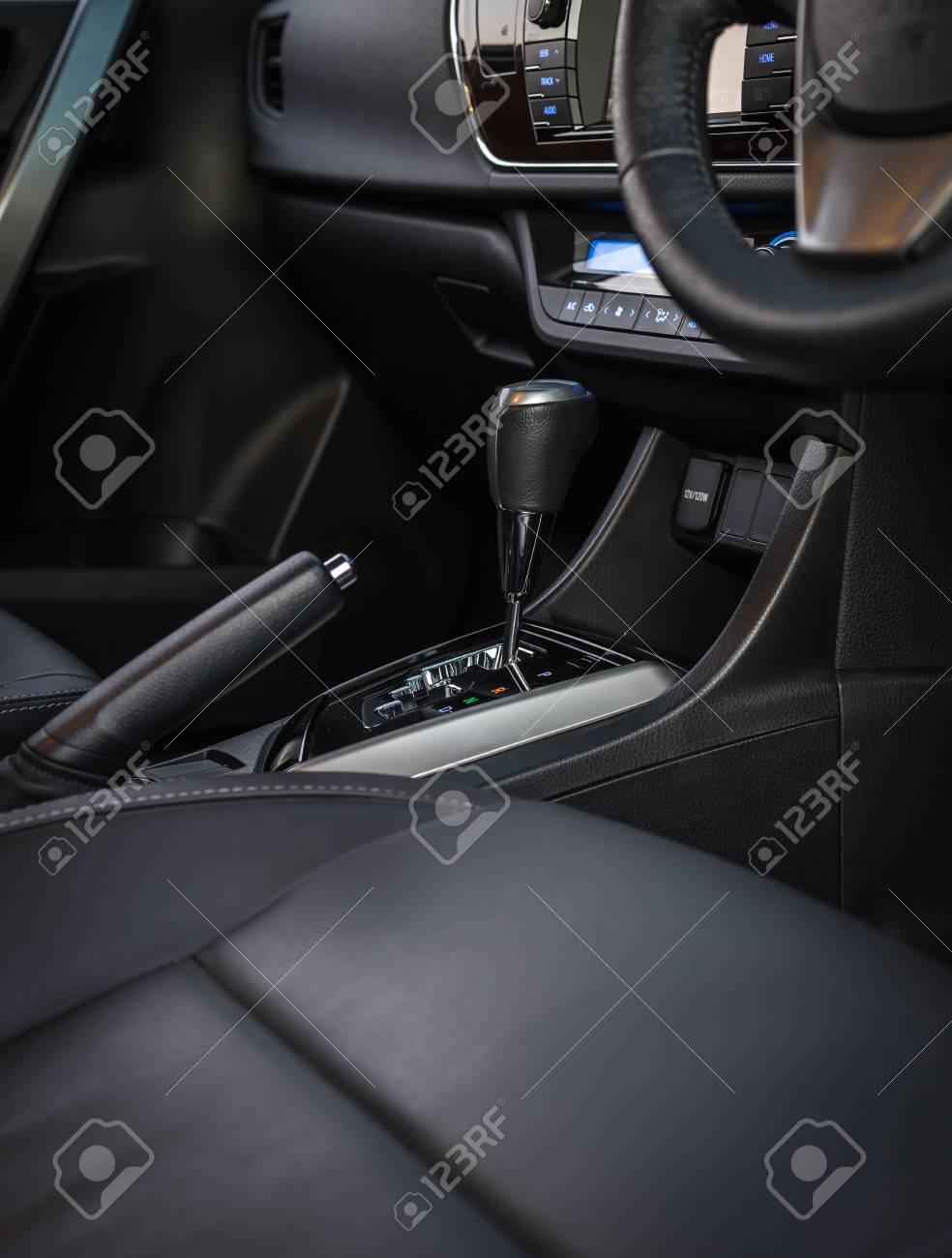 banque dimages dtail du nouvel intrieur de voiture moderne accent sur lquipement