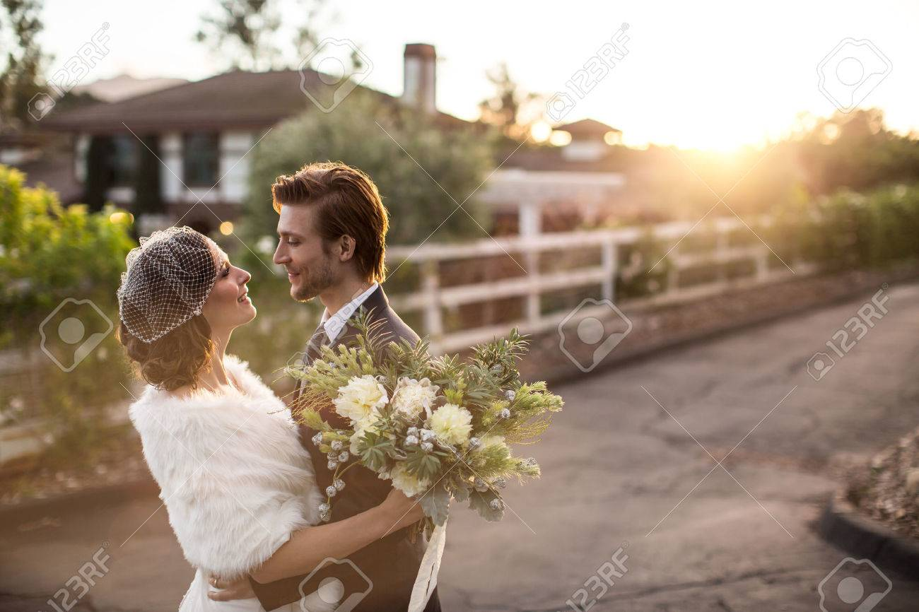 Beautiful wedding couple on their winter wedding - 46637435