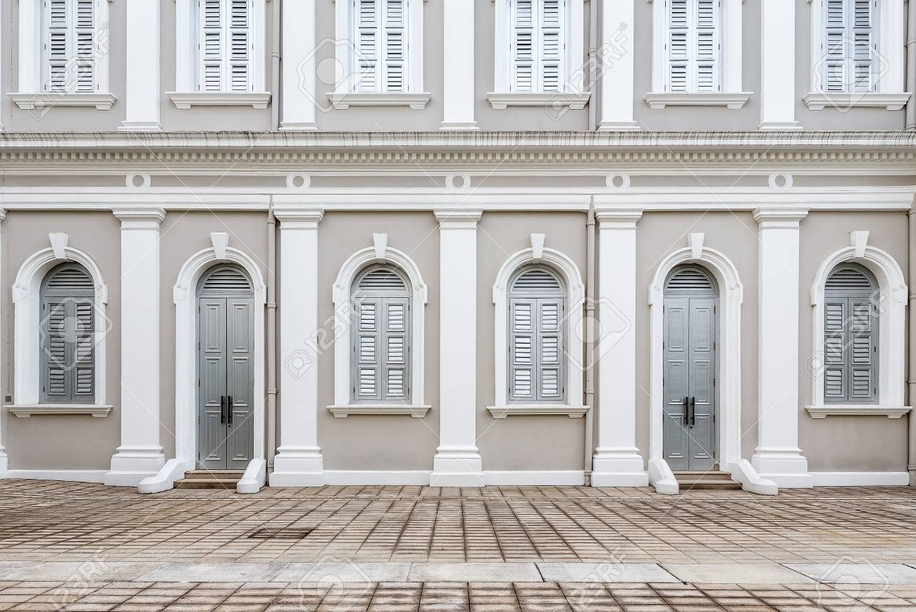 Facade designed in Neo-Palladian and Renaissance style Stock Photo - 56022990 & Facade Designed In Neo-Palladian And Renaissance Style Stock Photo ...