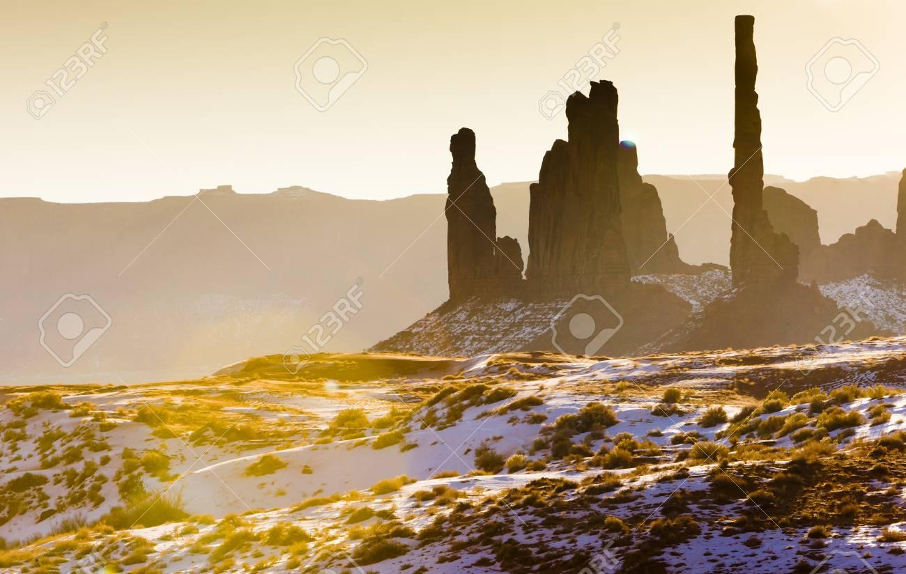 The Totem Pole, Monument Valley National Park, Utah-Arizona, USA Stock Photo - 15521849