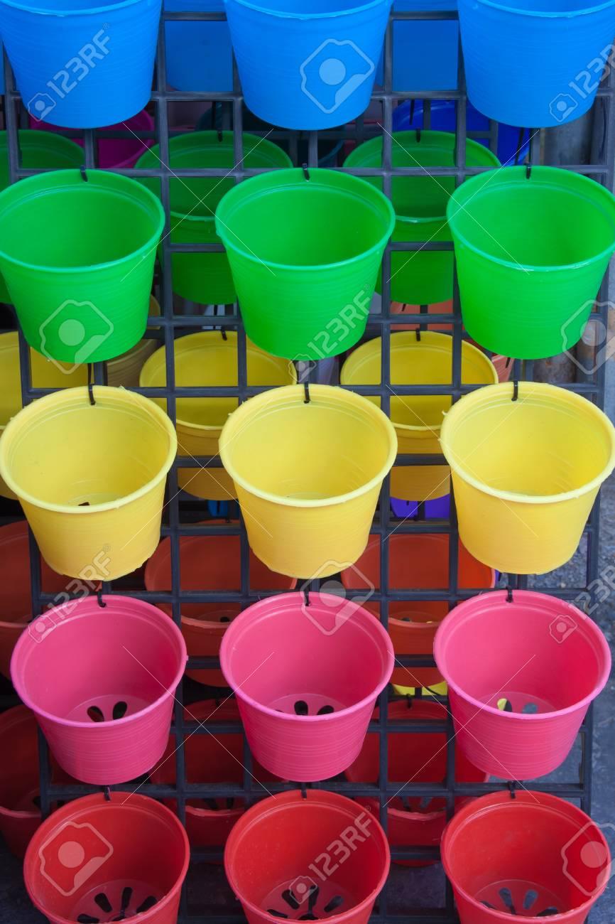 Gros Pot Fleur Plastique le gros plan du fond de pot de fleurs en plastique coloré