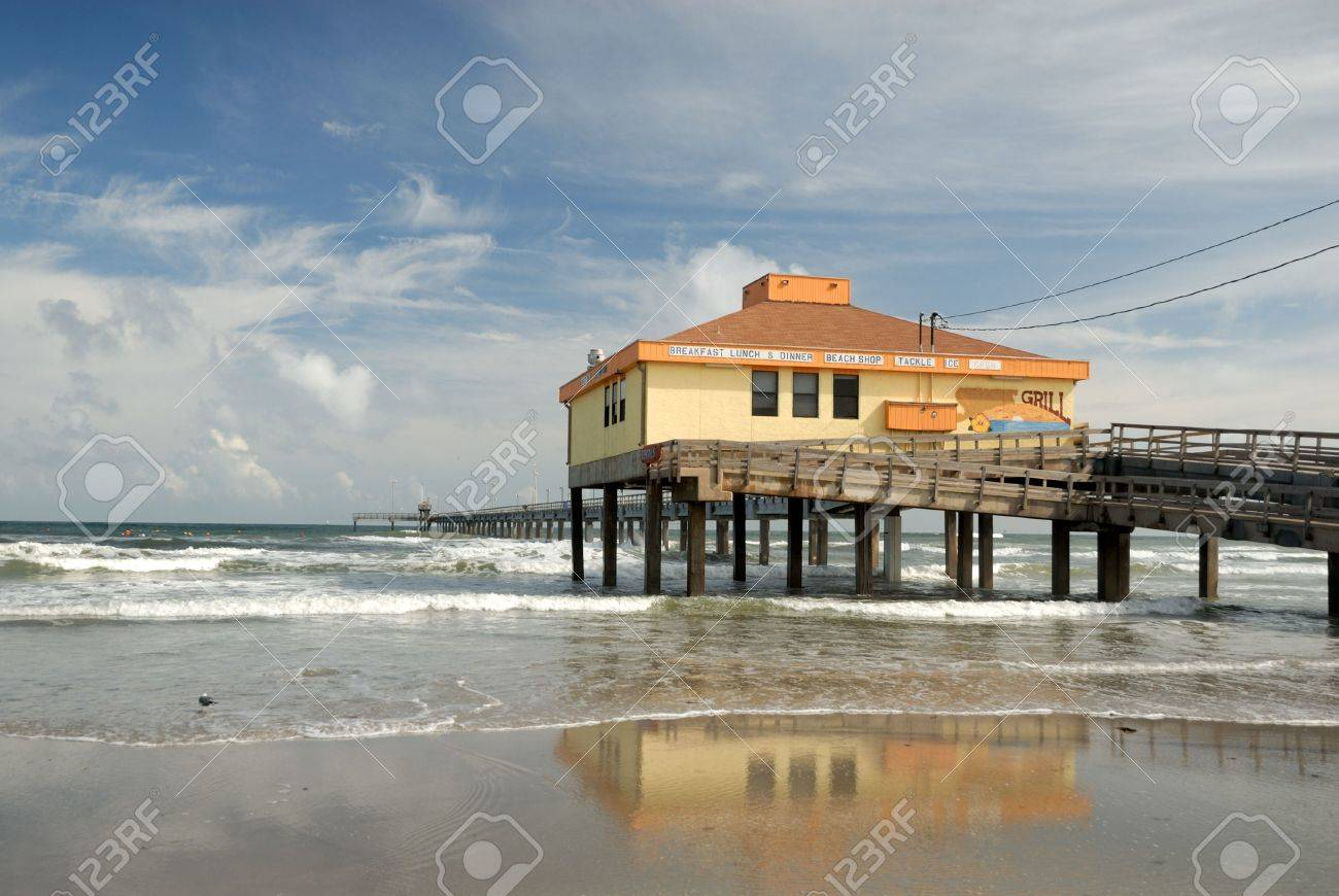 Bob Hall pier on Padre Island, Southern Texas USA Stock Photo - 3789570