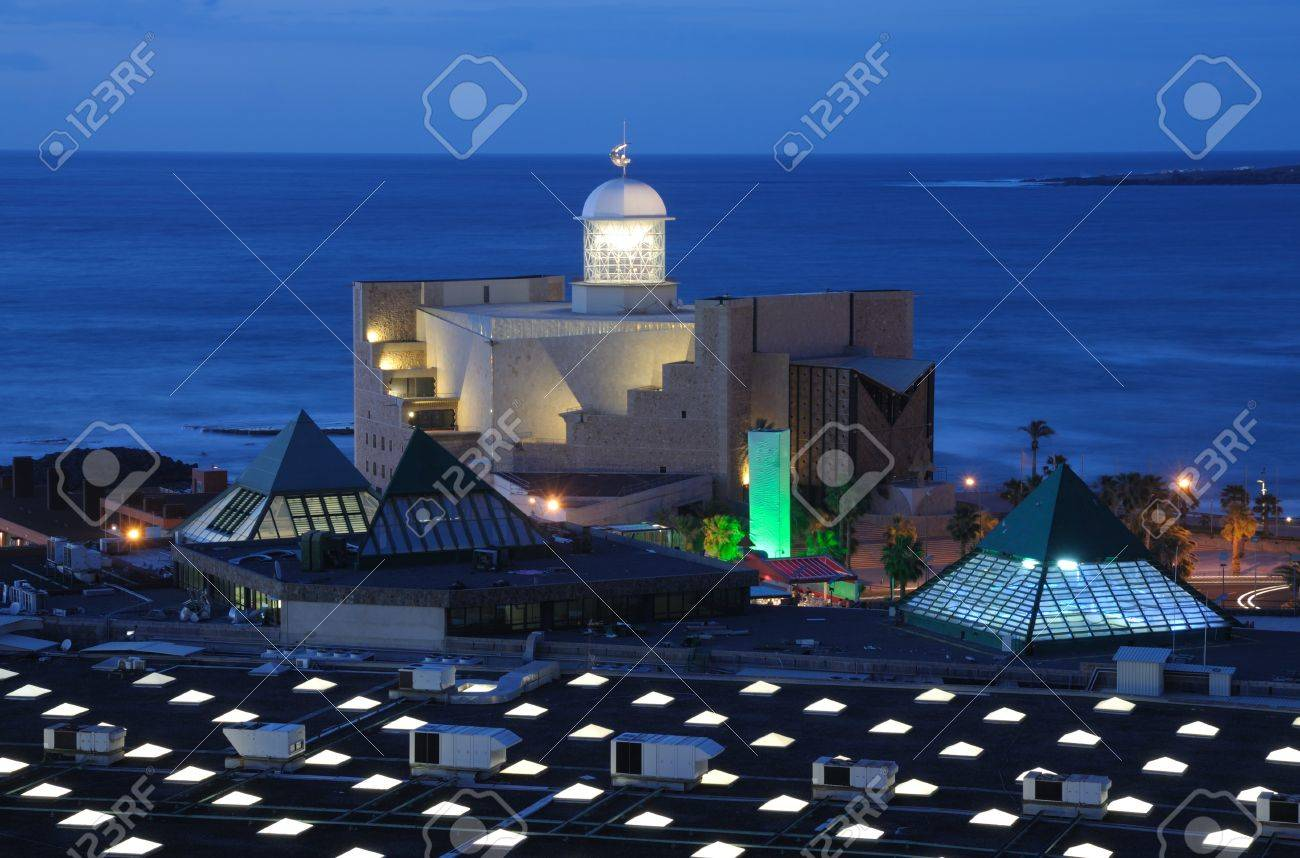 Auditorio Aflredo Kraus at dusk. Canary Island Gran Canaria, Spain Stock Photo - 6993970
